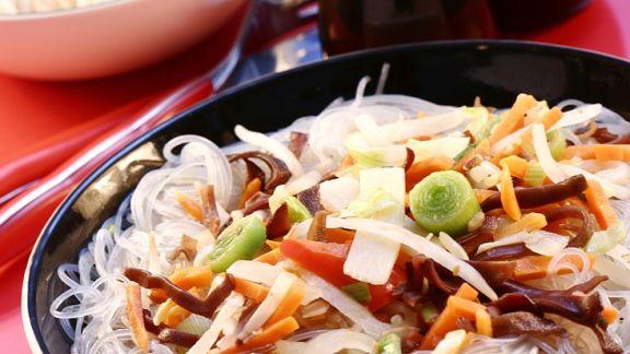 Rezept: Nudeln mit gebratenem Gemüse