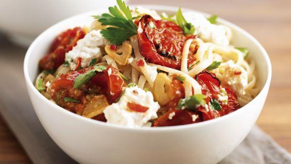 Rezept: Nudeln mit Mozzarellan und Tomaten