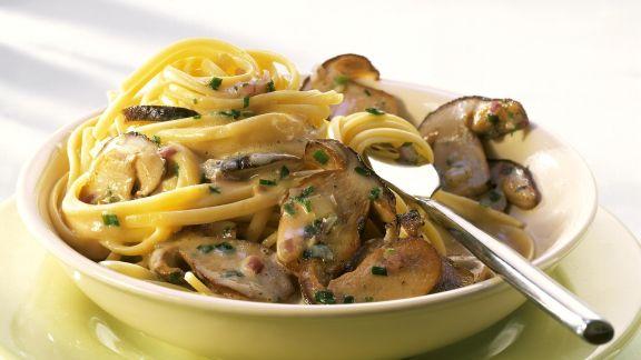 Rezept: Nudeln mit Pilz-Sahne-Soße