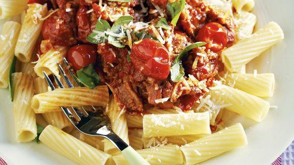Rezept: Nudeln mit Speck-Tomaten-Sugo