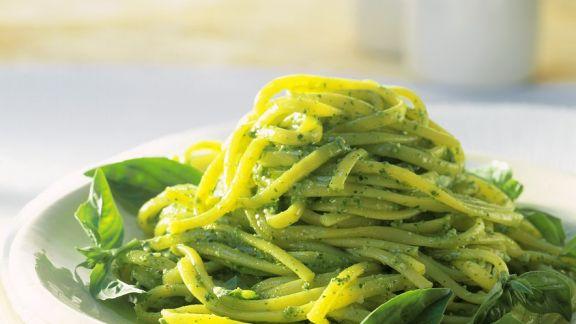 Rezept: Nudeln mit Spinatpesto