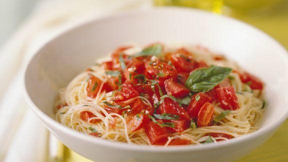 Rezept: Nudeln mit Tomatenragout