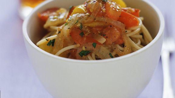Rezept: Nudeln mit Tomatensauce
