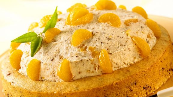 Rezept: Nuss-Sahne-Torte mit Mandarinen