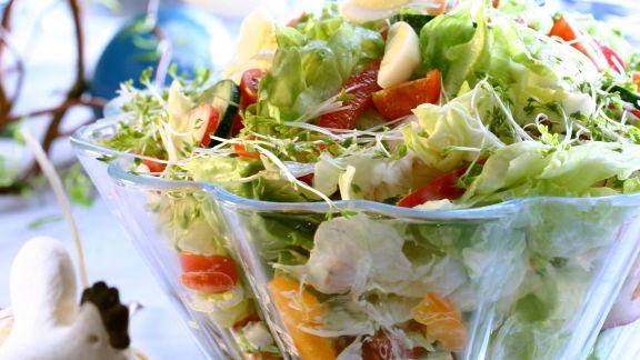 Rezept: Österlicher bunter Gemüsesalat
