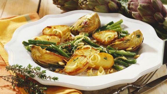 Rezept: Ofenkartoffeln mit Artischocken und grünen Bohnen