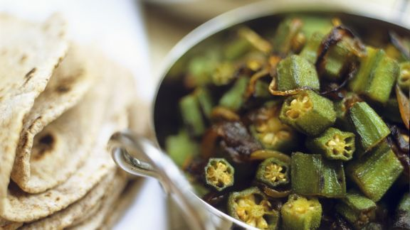 Rezept: Okraschoten-Zwiebel-Gemüse