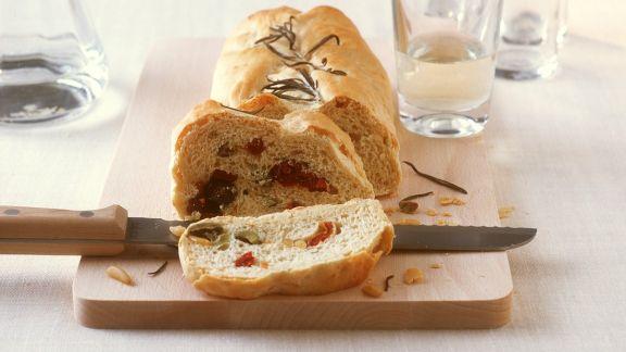 Rezept: Olivenbrot mit Tomaten