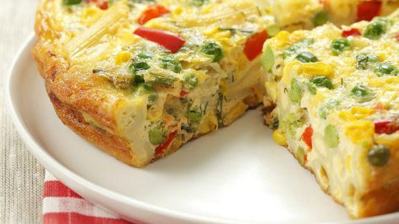 Rezept: Omelett mit Nudeln und buntem Gemüse (Frittata veneta)