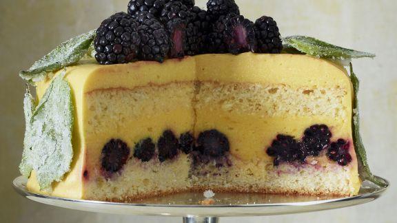 Rezept: Orangen-Brombeer-Torte mit Basilikum