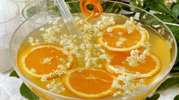 Rezept: Orangen-Holunderbowle