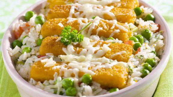 Rezept: Panierte Fischstückchen mit Gemüsereis