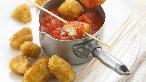 Rezept: Panierte Hähnchenstücke mit Tomatendip