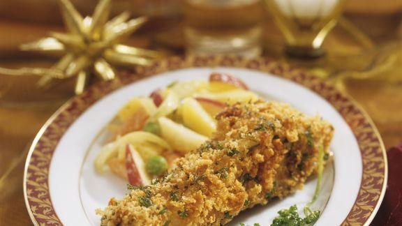 Rezept: Panierter Karpfen mit Apfel-Kartoffel-Salat