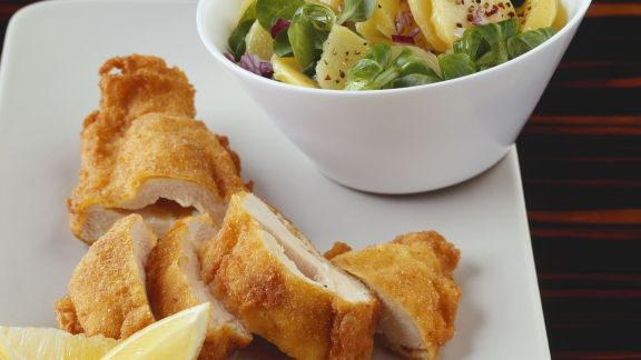 Rezept: Paniertes Hähnchenbrust mit Kartoffelsalat