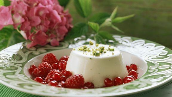 Rezept: Panna cotta mit Beeren