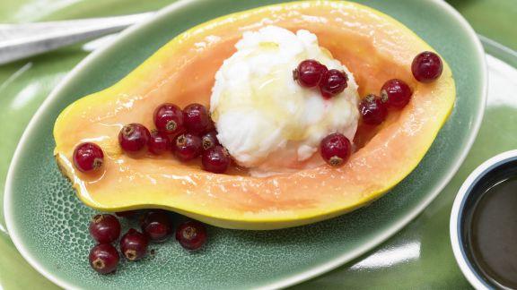 Rezept: Papaya mit Eisfüllung