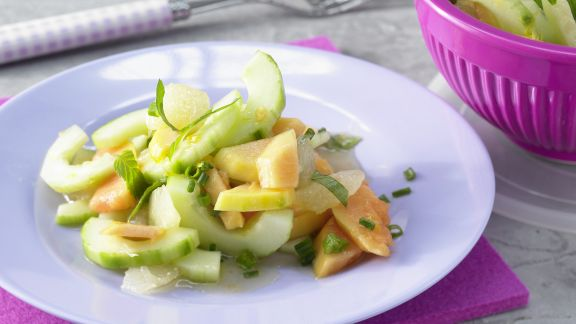 Rezept: Papayasalat mit Gurken