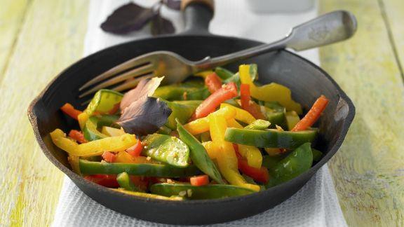 Rezept: Paprika-Kaiserschoten-Salat mit Ingwer
