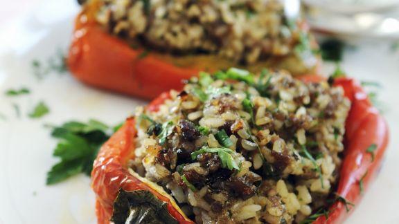 Rezept: Paprika mit Hack-Reis-Füllung