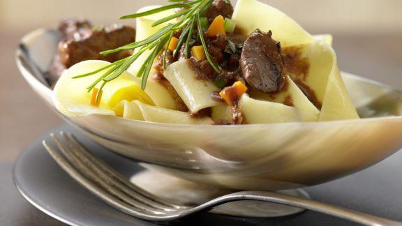 Rezept: Pasta in Hirsch-Schoko-Sauce