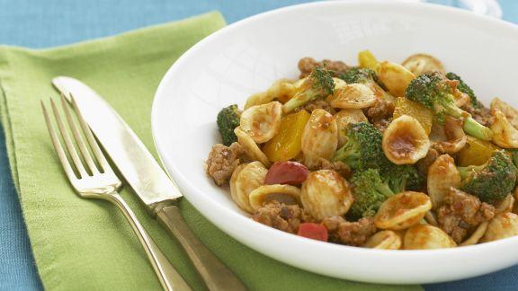 Rezept: Pasta mit Brokkoli,Wurst und Paprika