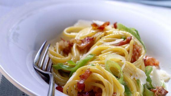 Rezept: Pasta mit Carbonara-Lauch-Soße