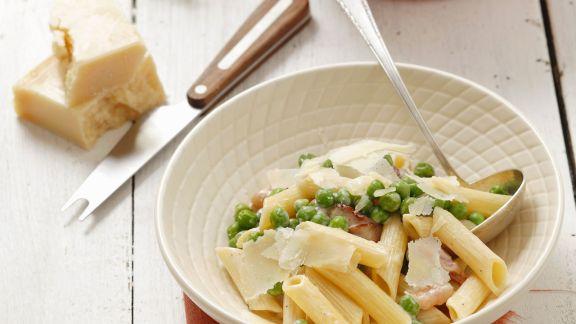 Rezept: Pasta mit Erbsen, Speck und Parmesan