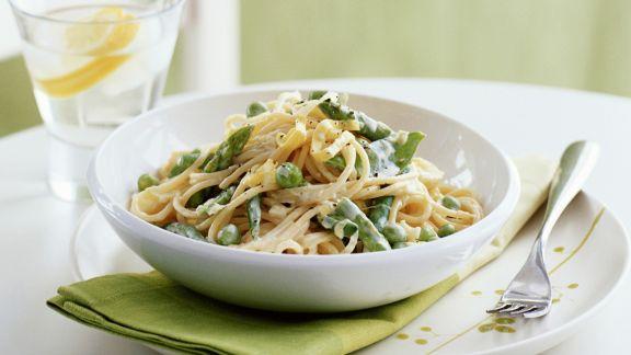 Rezept: Pasta mit Frühlingsgemüsesoße