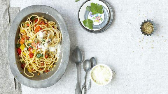 Rezept: Pasta mit gegrilltem Gemüse und Pecorino