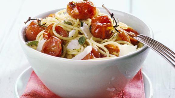 Rezept: Pasta mit geschmorten Cherrytomaten