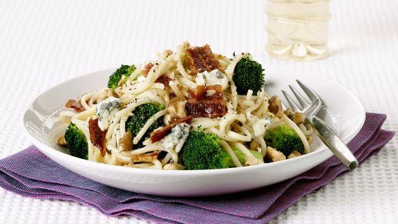 Rezept: Pasta mit Gorgonzola, Brokkoli und Bacon