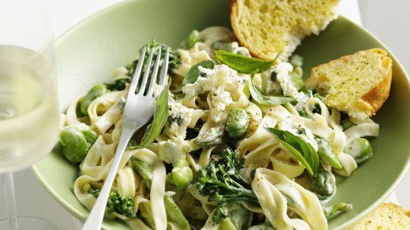 Rezept: Pasta mit grüner Gemüsesoße
