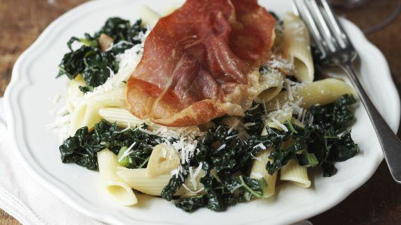 pasta mit gr nkohl und parmaschinken rezept eat smarter. Black Bedroom Furniture Sets. Home Design Ideas