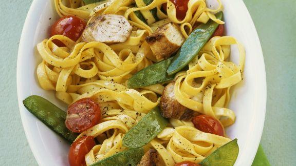Rezept: Pasta mit Hähnchen und Gemüse