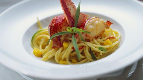 Rezept: Pasta mit Hummer, Estragon und Mango