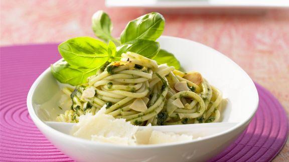 Rezept: Pasta mit Mandelpesto