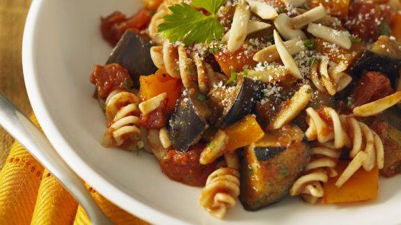 Rezept: Pasta mit Paprika-Auberginen-Sauce