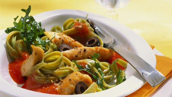 Rezept: Pasta mit Paprikasoße und Hähnchenfilet
