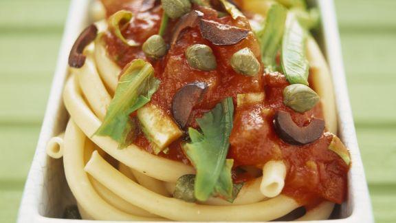 Rezept: Pasta mit pikanter Tomaten-Löwenzahn-Soße