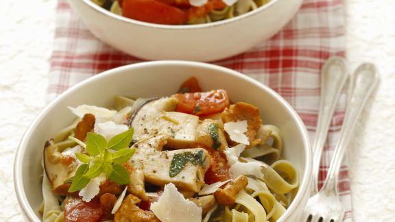 Rezept: Pasta mit Pilz-Tomaten-Sugo