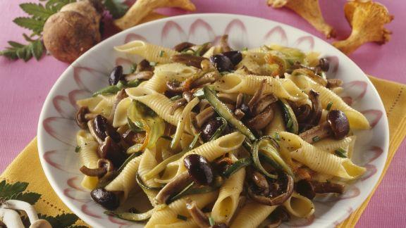Rezept: Pasta mit Pilzen-Zucchini-Pesto