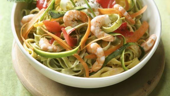 Rezept: Pasta mit Scampi und Gemüse