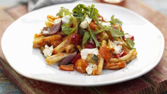 Rezept: Pasta mit Schafskäse und gebratenem Gemüse