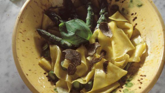 Rezept: Pasta mit Spargel und Trüffel
