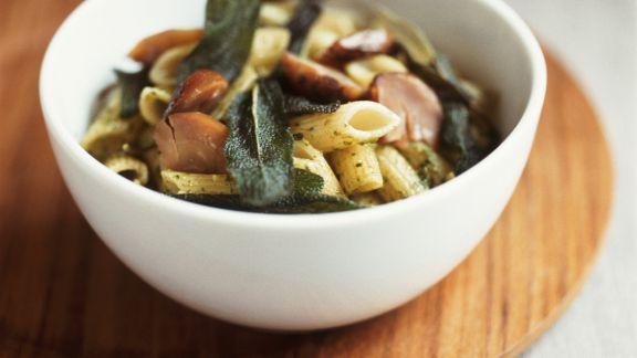 Rezept: Pasta mit Steinpilzen und Salbei
