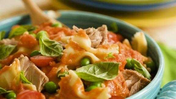 Rezept: Pasta mit Thunfisch und Tomatensauce