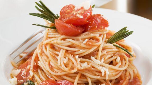 Rezept: Pasta mit Tomatensugo