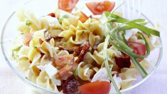 Rezept: Pastasalat mit Tomaten