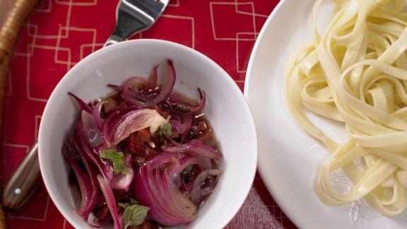 Rezept: Pastasauce mit roten Zwiebeln